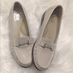 Women Tripad SAS Loafers Flats Size 6.5 Off White